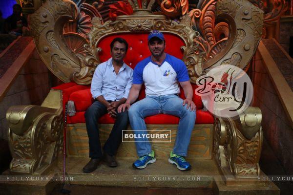 Sohail Khan and Nawazuddin Siddiqui at Promotion of 'Freaky Ali' at Comedy Nights Bachao