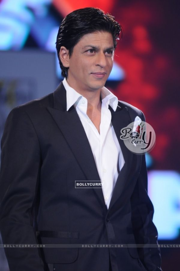 Shahrukh Khan in tv show Music Ka Maha Muqqabla