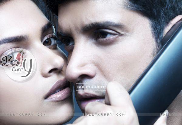 Lovable scene of Farhan and Deepika