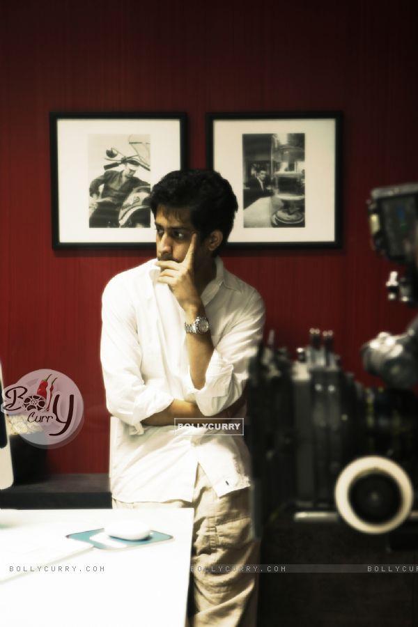 Vijay Lalwani as a director (41870)
