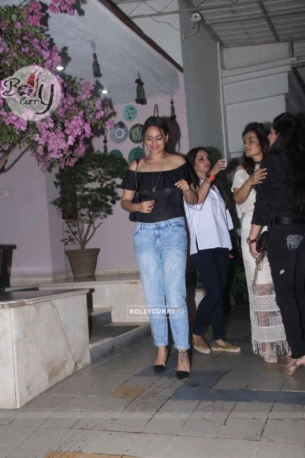 Sonakshi Sinha Snapped at Dipti Sandesara's Bash!