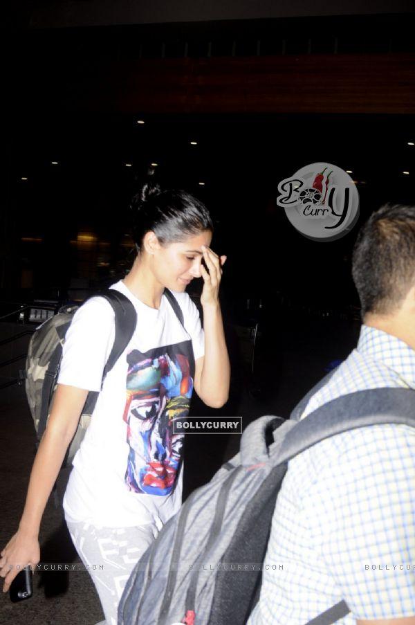 Airport Diaries: Nargis Fakhri!