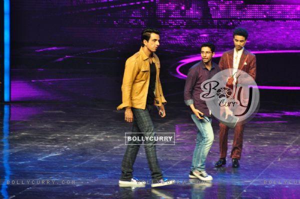 Sonu Sood at Promotion of film 'Tutak Tutak Titiya' on Dance Plus 2