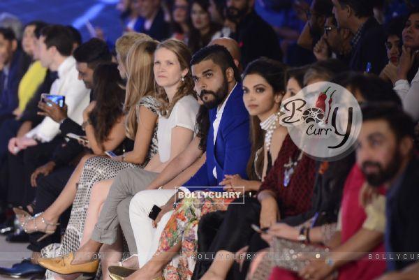 Deepika Padukone, Farah Khan and Amitabh Bachchan at Launch of new Clothing line 'YouWeCan'