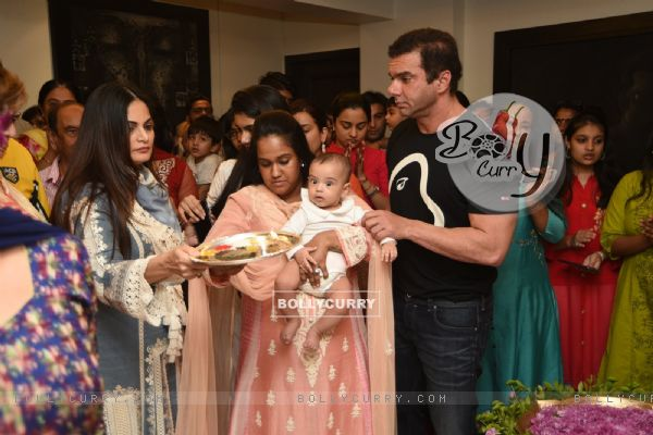 Alvira Agnihotri, Arpita Khan and Sohail Khan at Salman Khan's Ganesh Utsav 2016