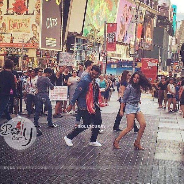 Arjun Kapoor & Shraddha Kapoor Perform at Times Square