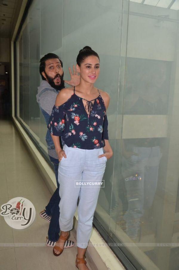 Riteish Deshmukh and Nargis Fakhri at Promotion of 'Banjo' at Big FM Studio