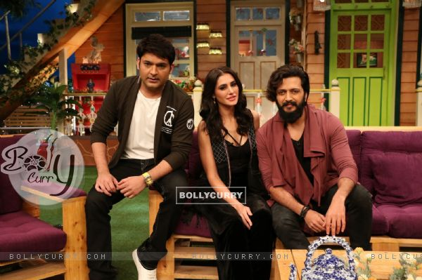 Nargis Fakhri, Kapil Sharma and Riteish Deshmukh at Promotion of 'Banjo' on Sets of The Kapil Sharma