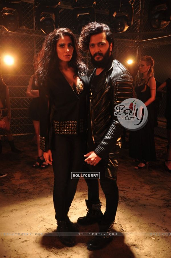 Riteish Deshmukh-Nargis Fakri Shoot for Song in BANJO