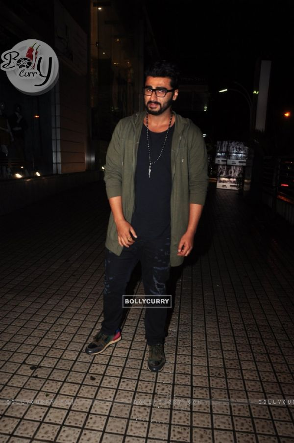 Arjun Kapoor takes sister and friends for a film at PVR