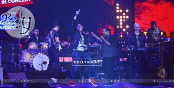 Shankar Mahadevan and Manish Paul at Music launch of movie Rock On 2