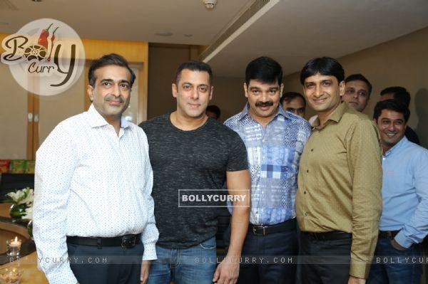 Salman Khan announced brand ambassador for Yellow diamond chips