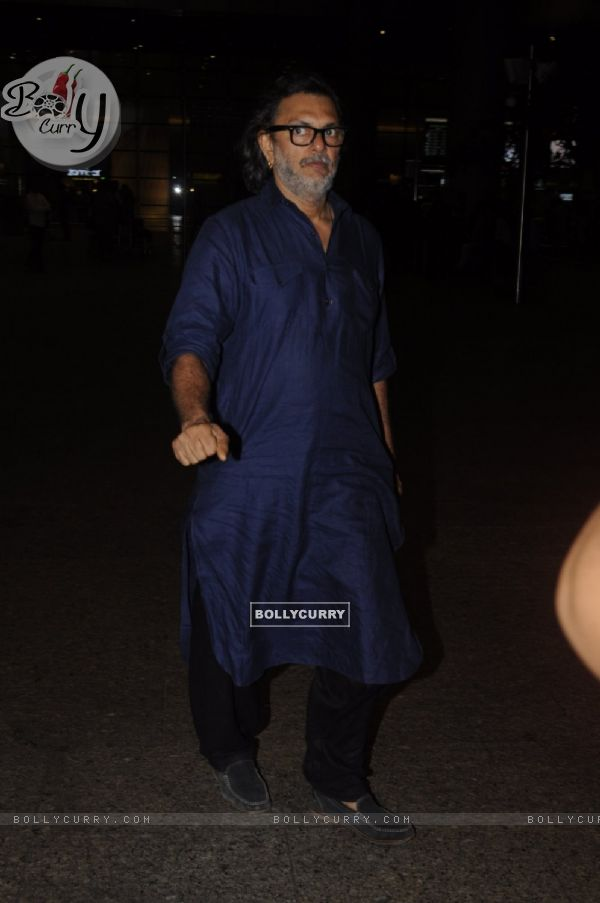 Rakeysh Omprakash Mehra snapped at airport!