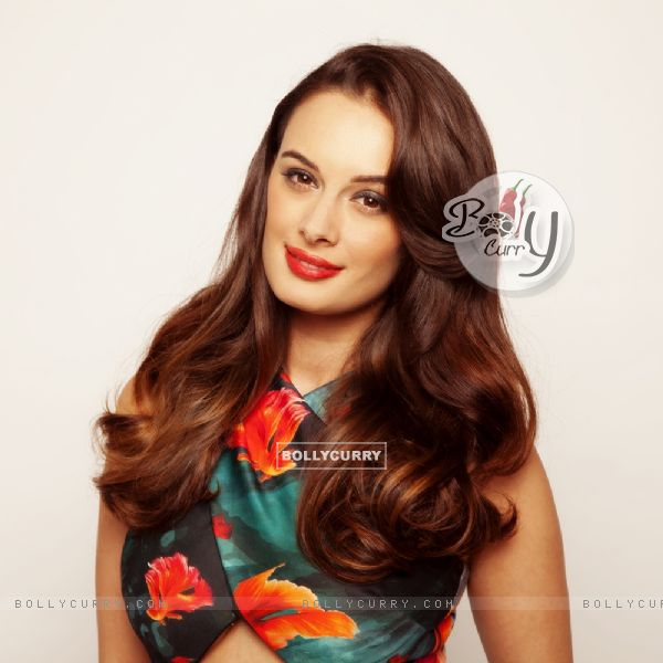 Evelyn SharmaEvelyn Sharma's 'Seams for Dreams' Garage Sale Is Back