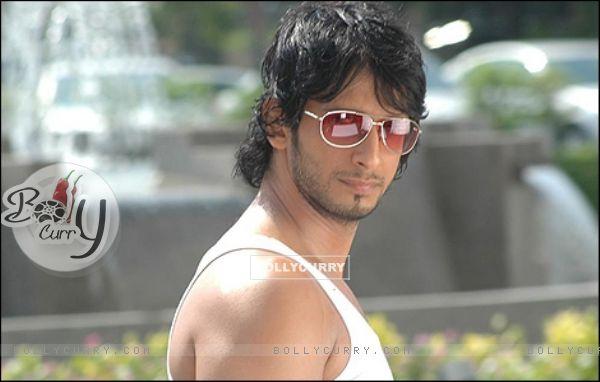 Sharman Joshi in tv show Taarak Mehta Ka Ooltah Chashmah