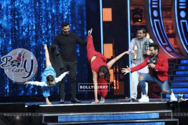 John Abraham with Sonakshi Sinha and Rithvik Dhanjani at Super Dancer