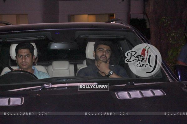 Arjun Kapoor snapped outside Ranbir Kapoor's House