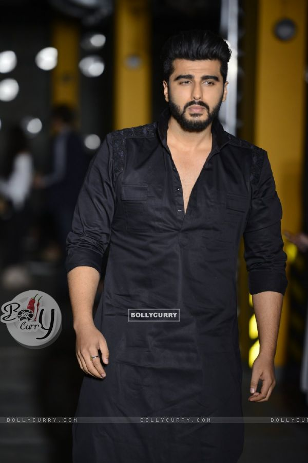 Arjun Kapoor walks for Kunal Rawal at Lakme Fashion Week 2017 Day 1
