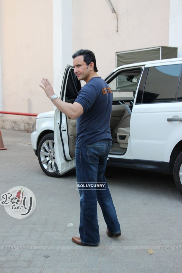 Saif Ali Khan snapped at Mehboob studio!