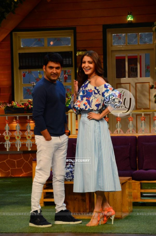 Anushka Sharma poses with Kapil Sharma