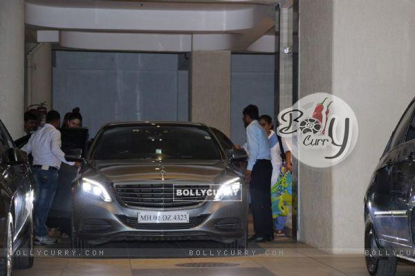 Kareena Kapoor SPOTTED with Baby Taimur Ali Khan