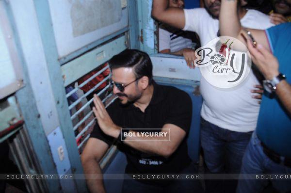 Vivek Oberoi takes a train journey to promote housing project Karrm Brahmaand!