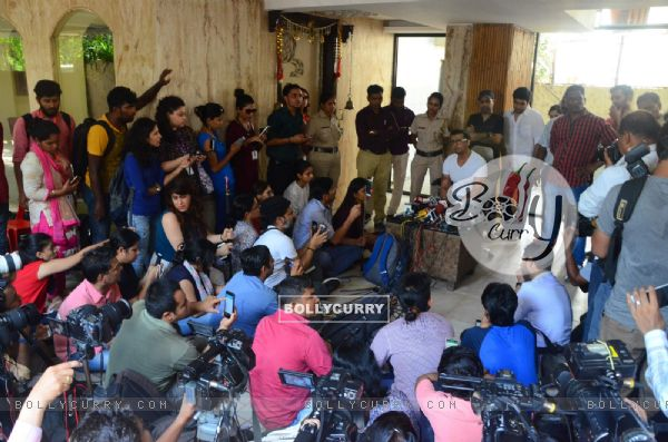 Sonu Nigam holds a press conference on his 'Azaan Controversy'