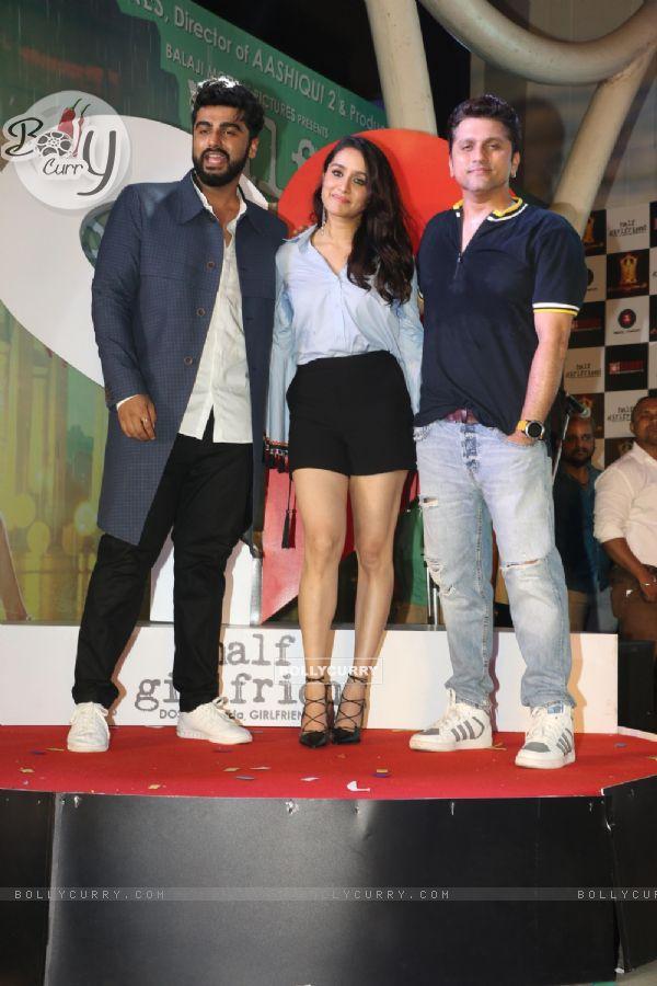 Shraddha Kapoor, Arjun Kapoor and Mohit Suri at Half Girlfriend's Concert!