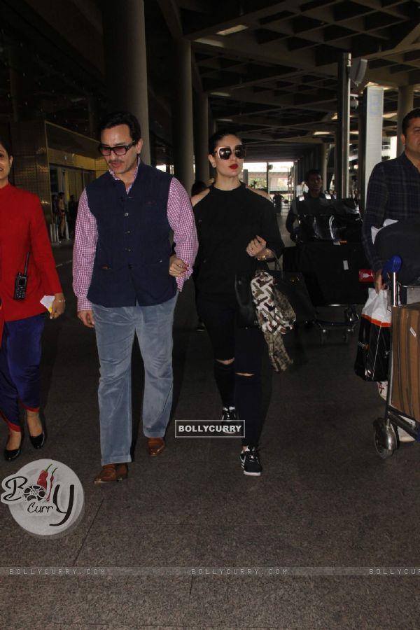 Saif Ali Khan and Kareena Kapoor snapped at the airport