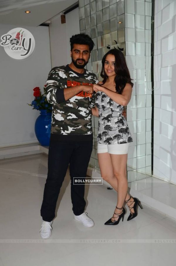 Arjun Kapoor and Shraddha Kapoor Promotes 'Half Girlfriend' (428593)