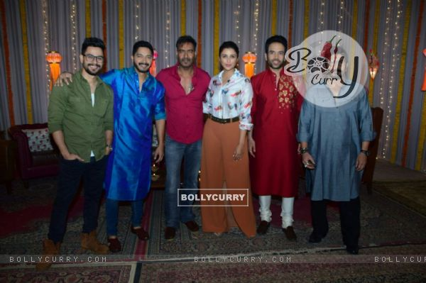 Team Golmaal Again's special Diwali shoot