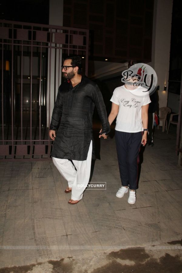 Lovely Couple Saif - Kareena's Anniversary Dinner