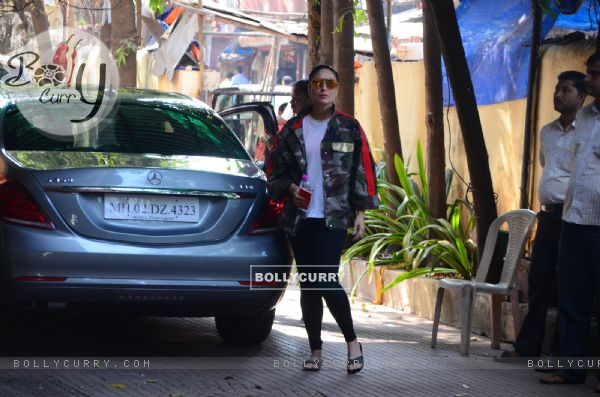 Kareena Kapoor Khan uplifts her casual game