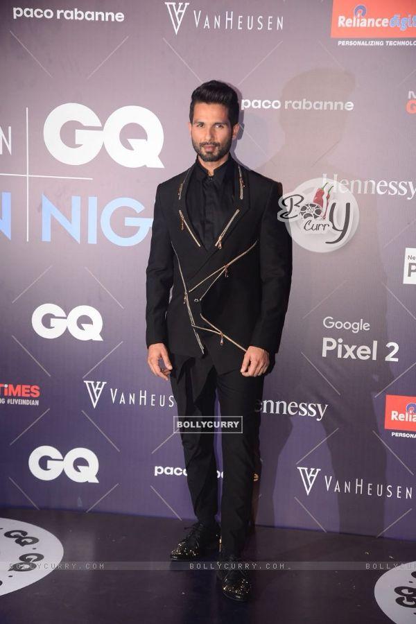Dashing Shahid Kapoor at GQ