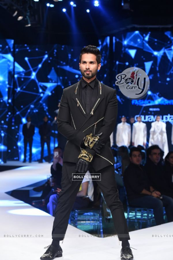 Shahid Kapoor as the showstopper