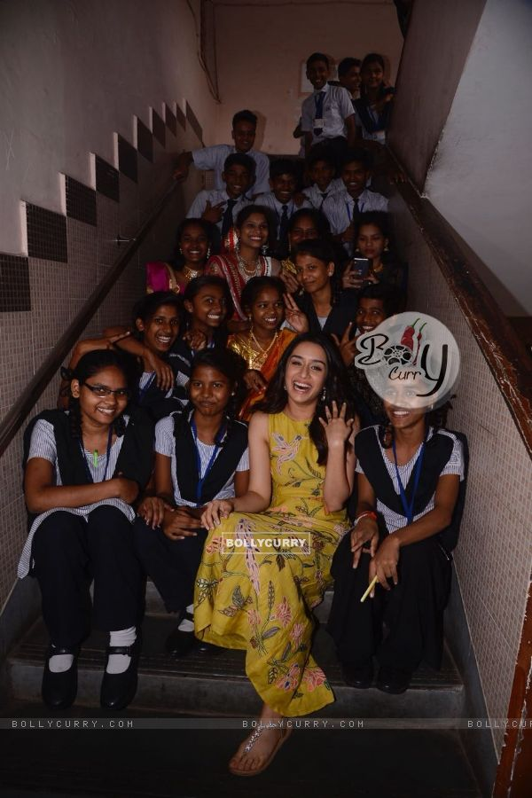 Shraddha Kapoor indeed had a fun moment with the kids