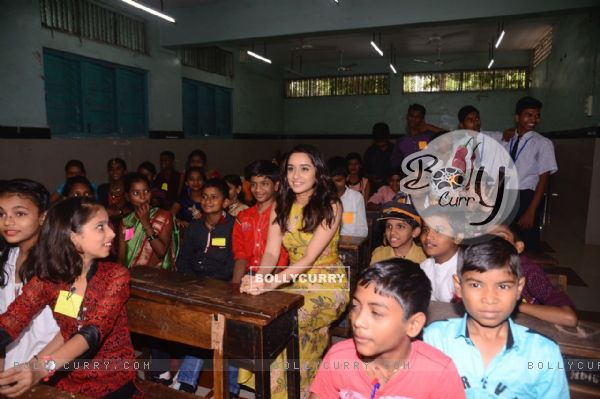 Shraddha Kapoor attends the class with the kids