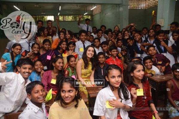 Shraddha Kapoor spends time with kids from a School