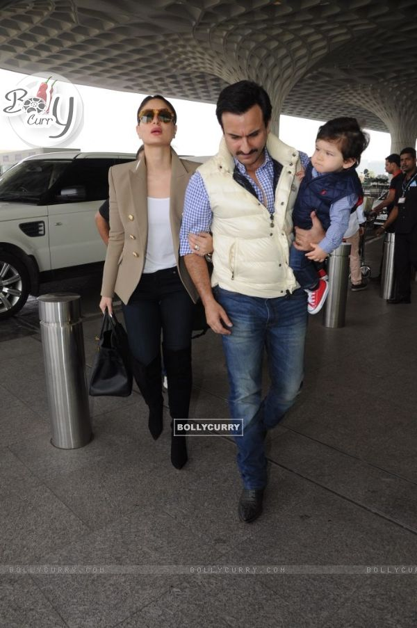 Did you notice Taimur's grumpy face?