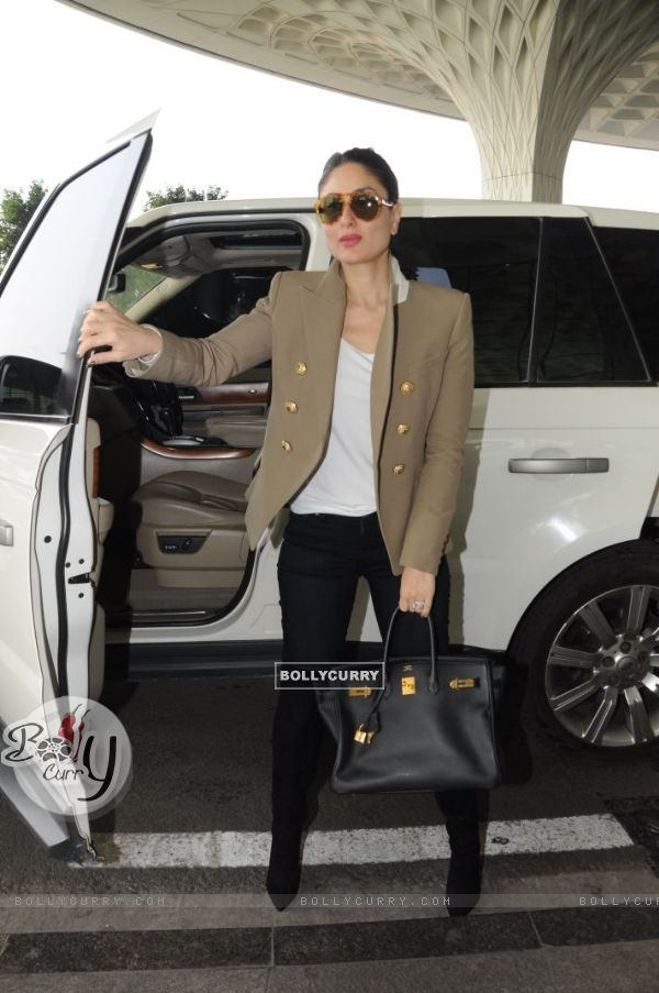 Kareena making a style statement like always