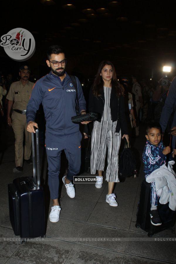 Virat - Anushka at the Airport