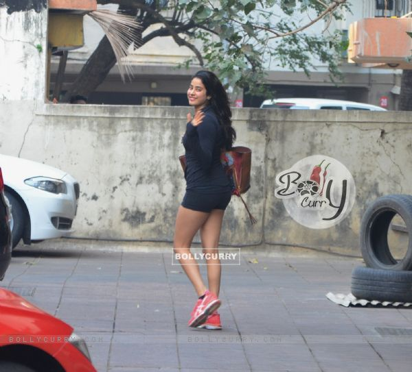 Gym Diaries: Alia Bhatt and Jahnavi Kapoor snapped
