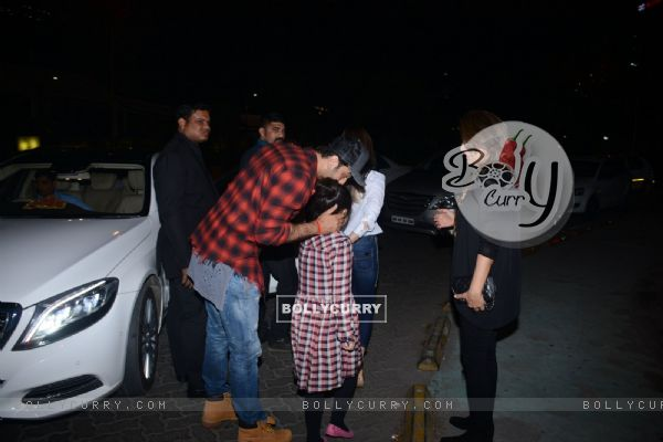 Ranbir Kapoor dines with his family