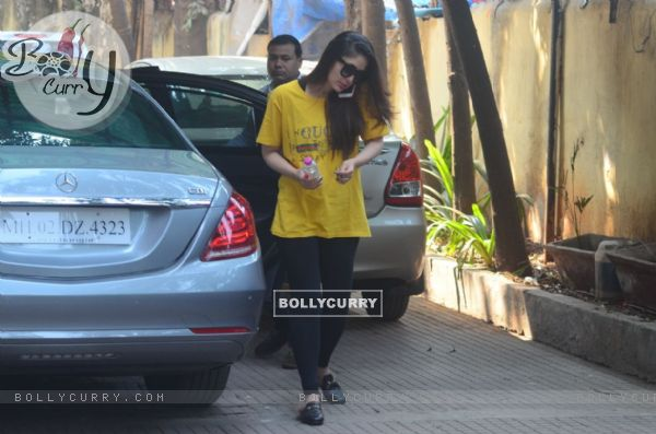 Varun Dhawan and Kareena Kapoor snapped in the city