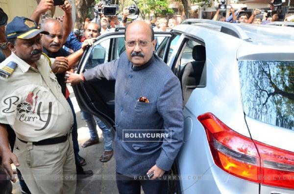 Bollywood Celeb's pay their condolences to the Kapoor Family
