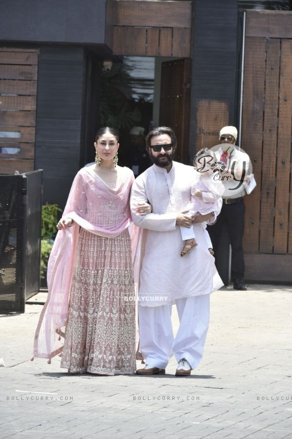 Kareena Kapoor, Saif Ali Khan with Taimur at Sonam Kapoor and Anand Ahuja Wedding