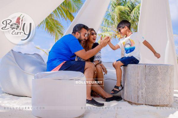 Shilpa Shetty Kundra with Family at Kanuhura, Maldives