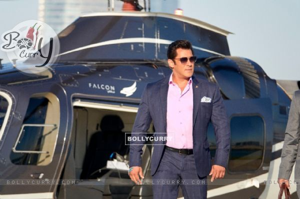 Salman Khan in Race 3 (436994)