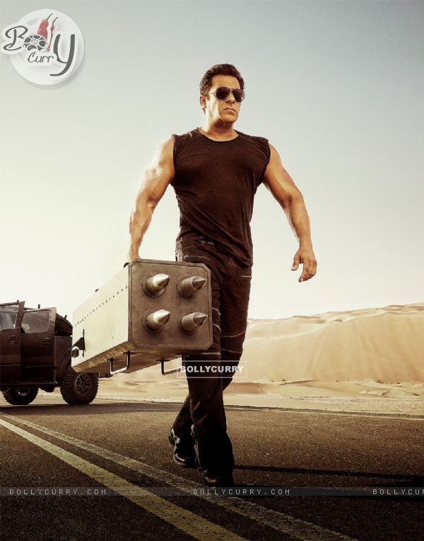 Salman Khan in Race 3 (436995)