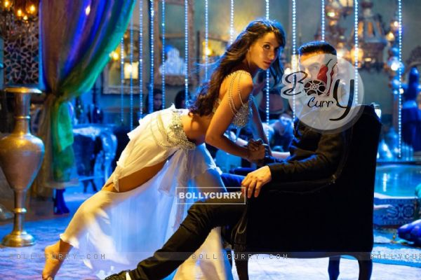 Nora Fatehi and John Abrahim in Dilbar song from Satyameva Jayate (437285)
